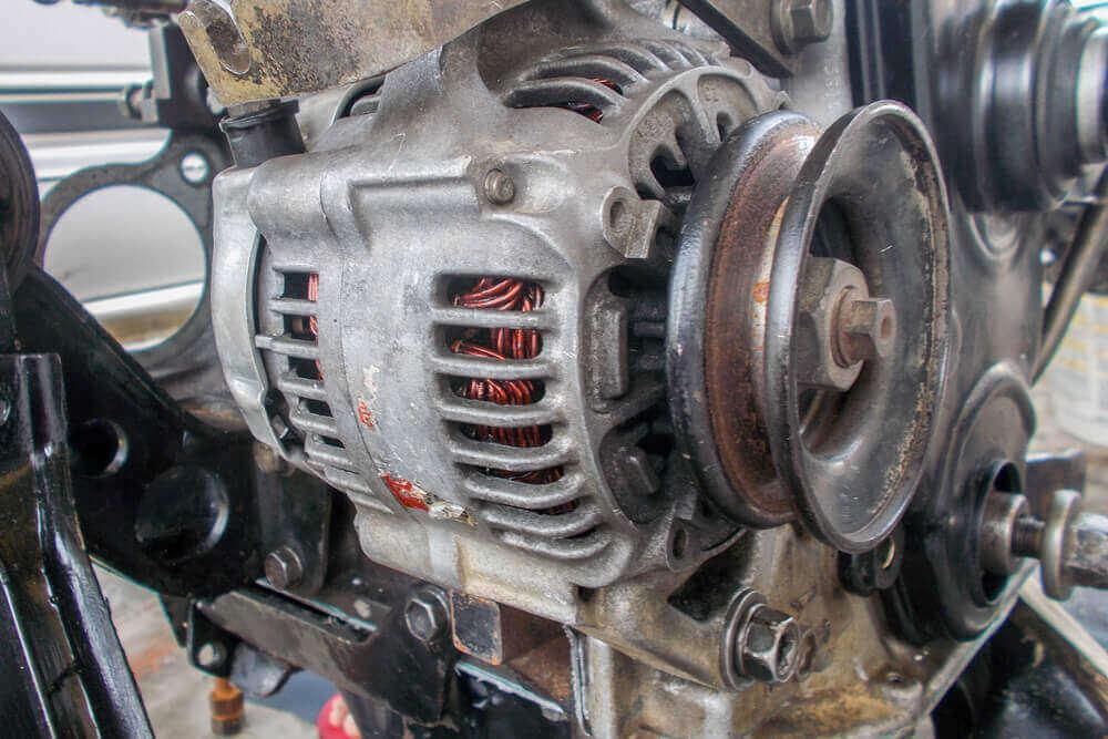 Autó generátor hiba jelei